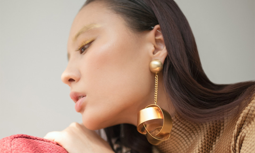 We All Need These Statement Earrings | The-E-Tailer.com/Blog