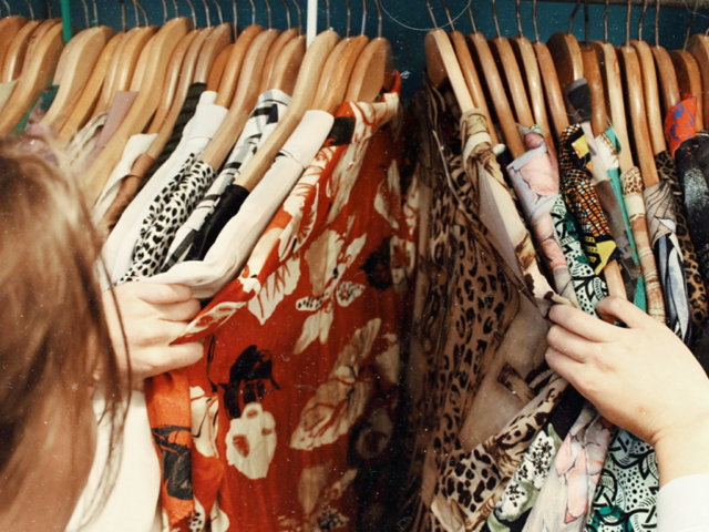 6 Thrifting Tips and Tricks for National Thrift Shop Day | The-E-Tailer.com/Blog