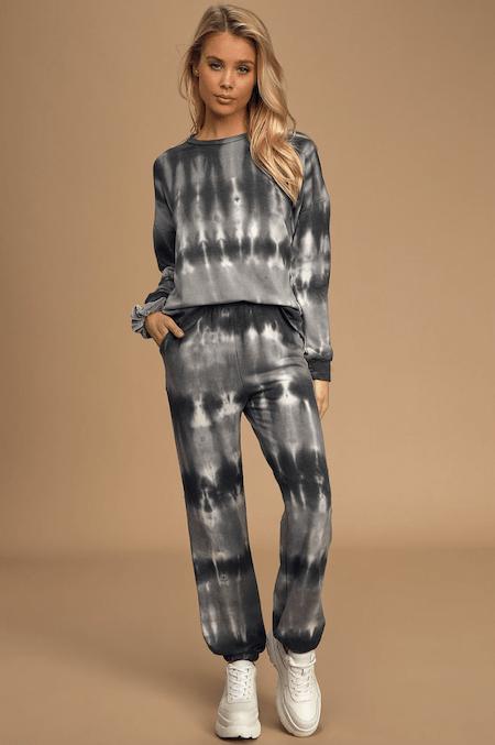 Cute Sweatsuits To Wear All Season Long | The-E-Tailer.com/Blog