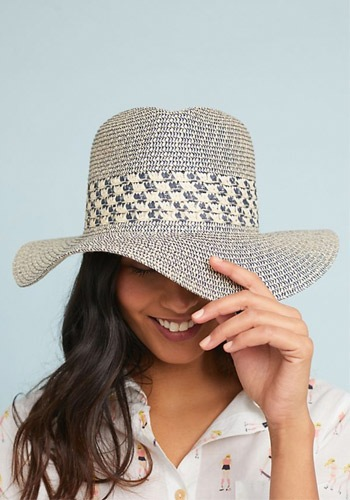 8 Beach Hats for Spring & Summer | The-E-Tailer.com/Blog
