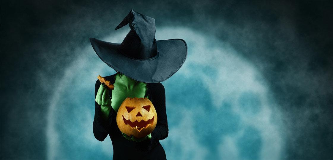Heidi Klum's Scary Good Halloween Costumes | The-E-Tailer.com/Blog